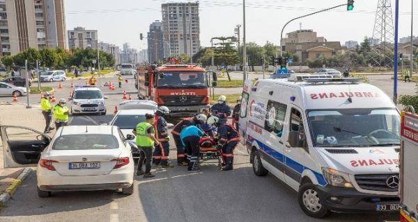 Vatandaşlar belediyenin kaza tatbikatını gerçek sandı