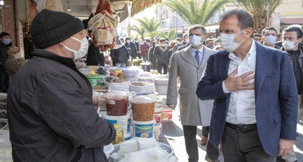 Başkan Seçer, Tarsus'ta incelemelerde bulundu, esnafla buluştu
