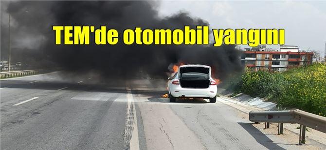 Mersin'in Tarsus ilçesinde bir otomobilde yangın çıktı.