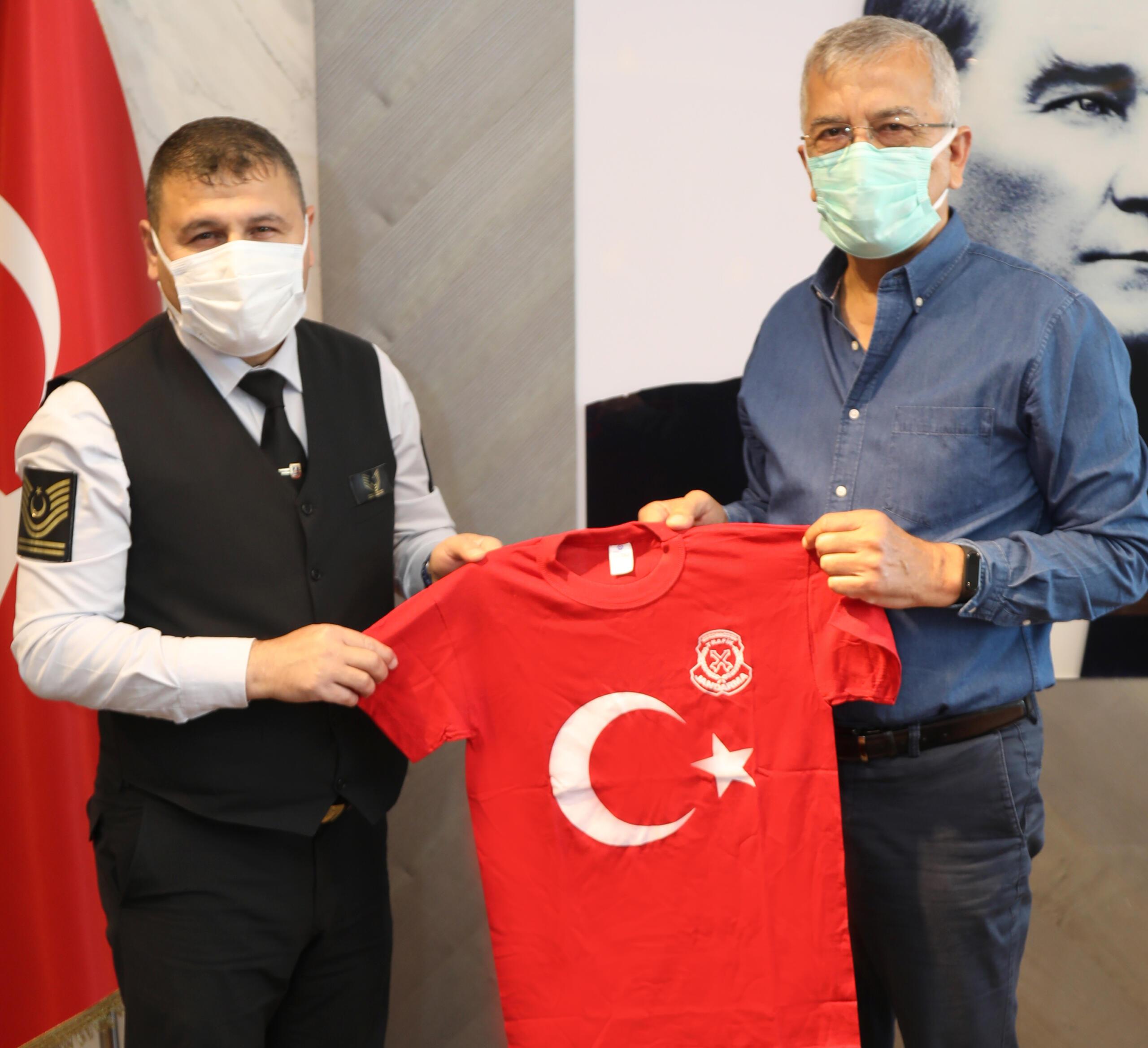 Jandarma Trafikten Başkan Tarhan'a ziyaret