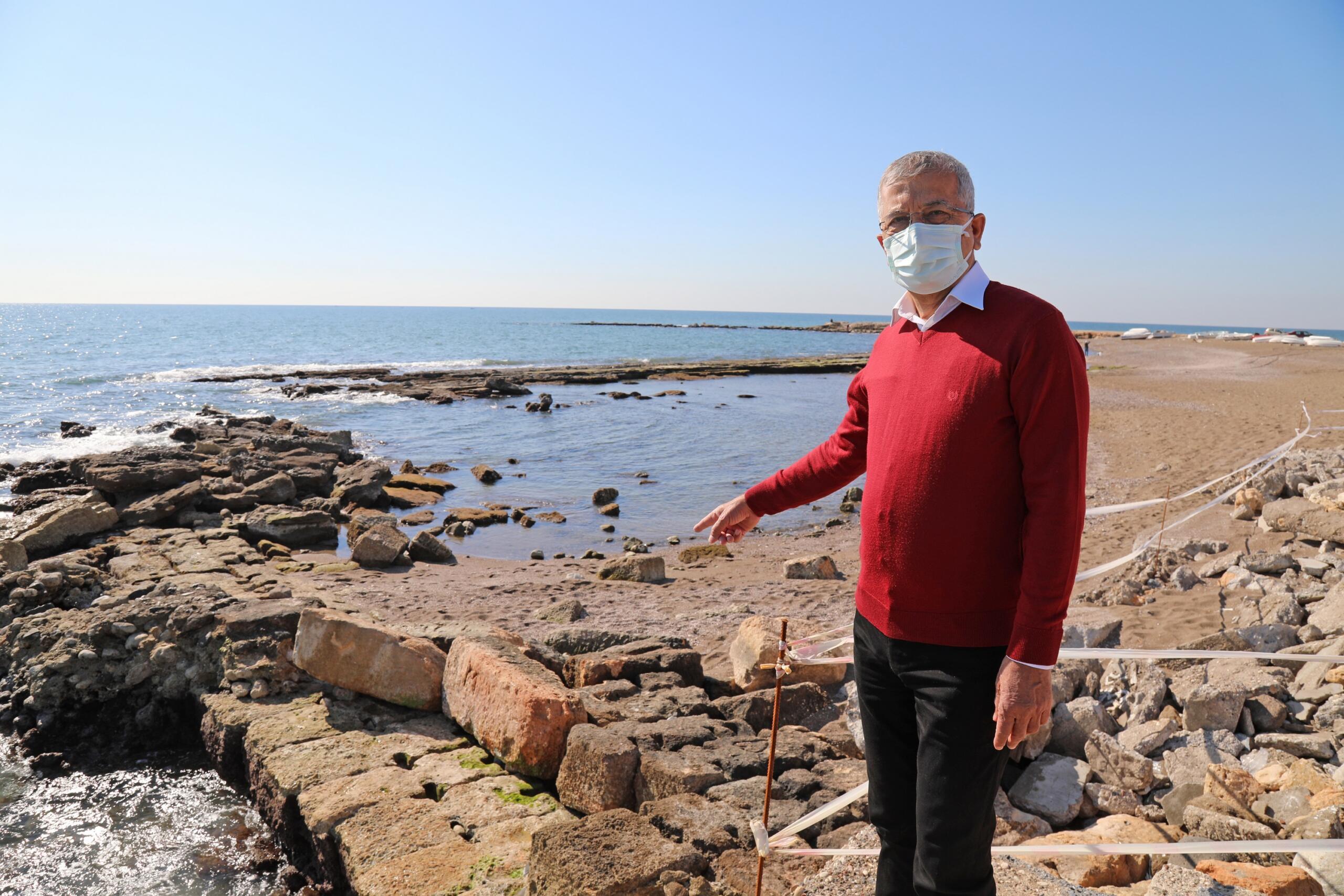 Deniz çekildi antik liman ortaya çıktı