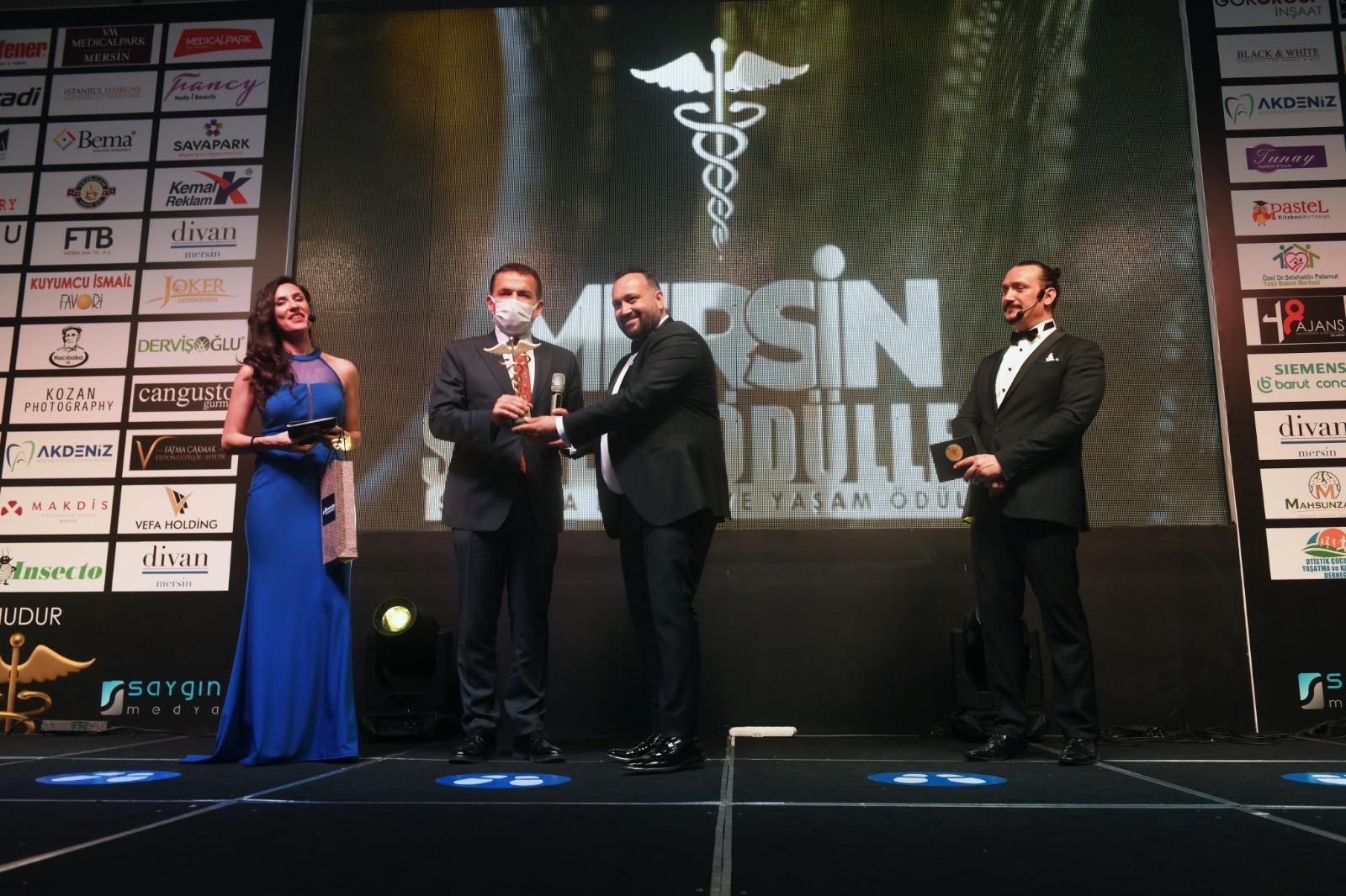 Başkan Özyiğit'e sağlıkta hizmet ve onur ödülü