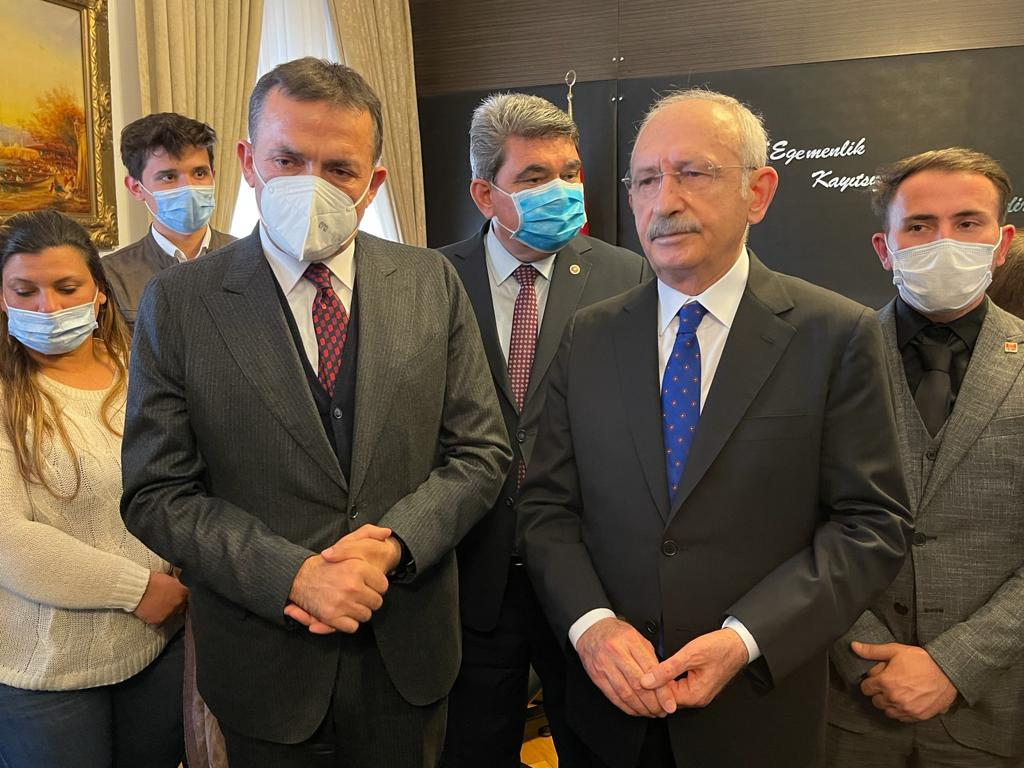 Başkan Özyiğit ve muhtarlar Kemal Kılıçdaroğlu ile buluştu