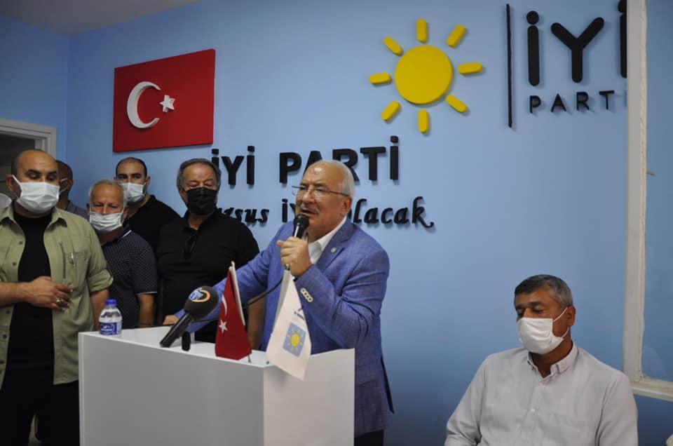 """İYİ PARTİ GİK ÜYESİ BURHANETTİN KOCAMAZ """"GÖNÜL SEFERBERLİĞİ"""" MEŞALESİNİ TARSUS'TAN YAKTI"""