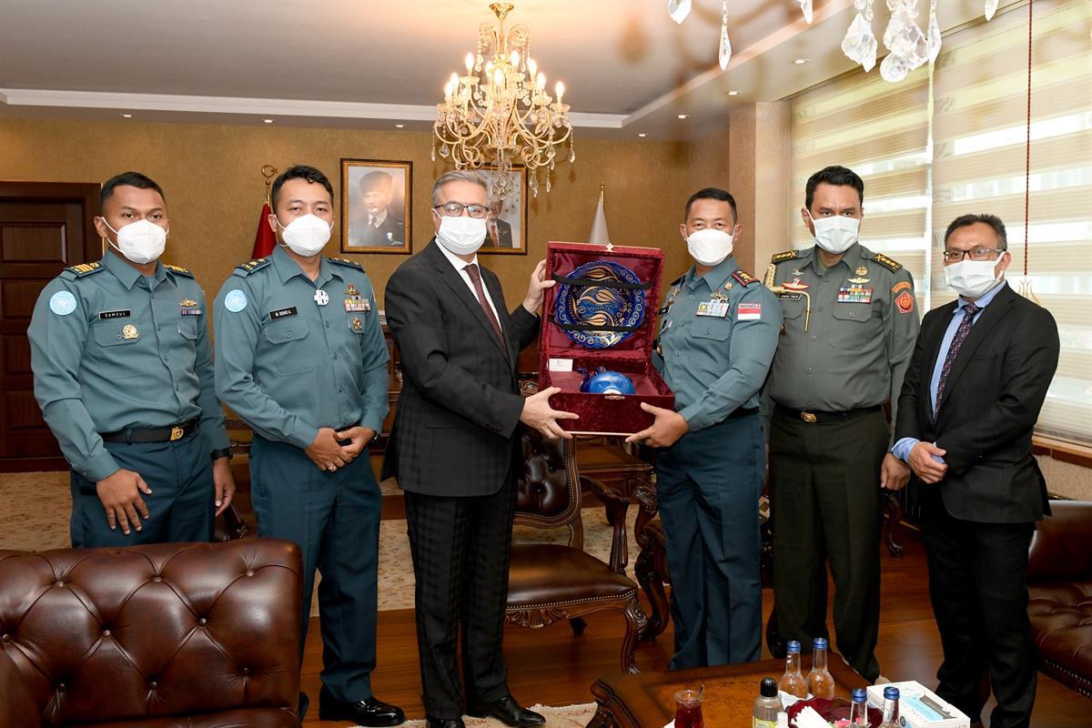 Vali Su, Endonezya Cumhuriyeti Ankara Büyükelçiliği Askeri Ataşesi Albay Thalib'i Kabul Etti